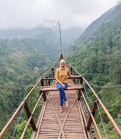 Taman Wisata Genilangit Pesona Cantik Alam Magetan Trip Store